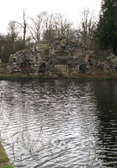 Walks And Walking - Epping Forest Walks - The Chestnut Trail Walking Route - Wanstead Park Ruins