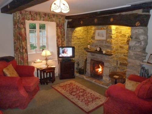 Walks And Walking - Lower Farm Cottages Langton Herring Weymouth - Cosy Fire
