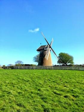 Walks And Walking - Isle of Wight Walks Bembridge Trail Arreton Down Bembridge Windmill