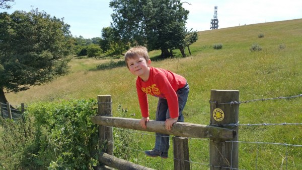 Walks And Walking - Etchinghill Walk In Kent - Tolsford Hill Radio Station