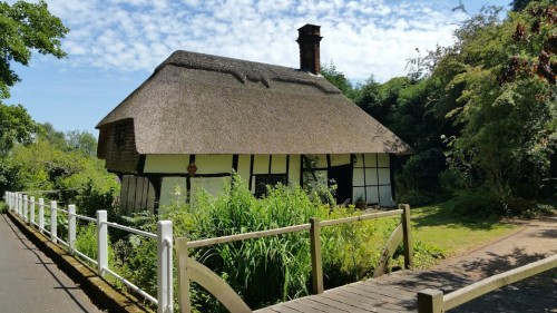 Walks And Walking - Newington Walk In Kent - Historial Building Of Kent